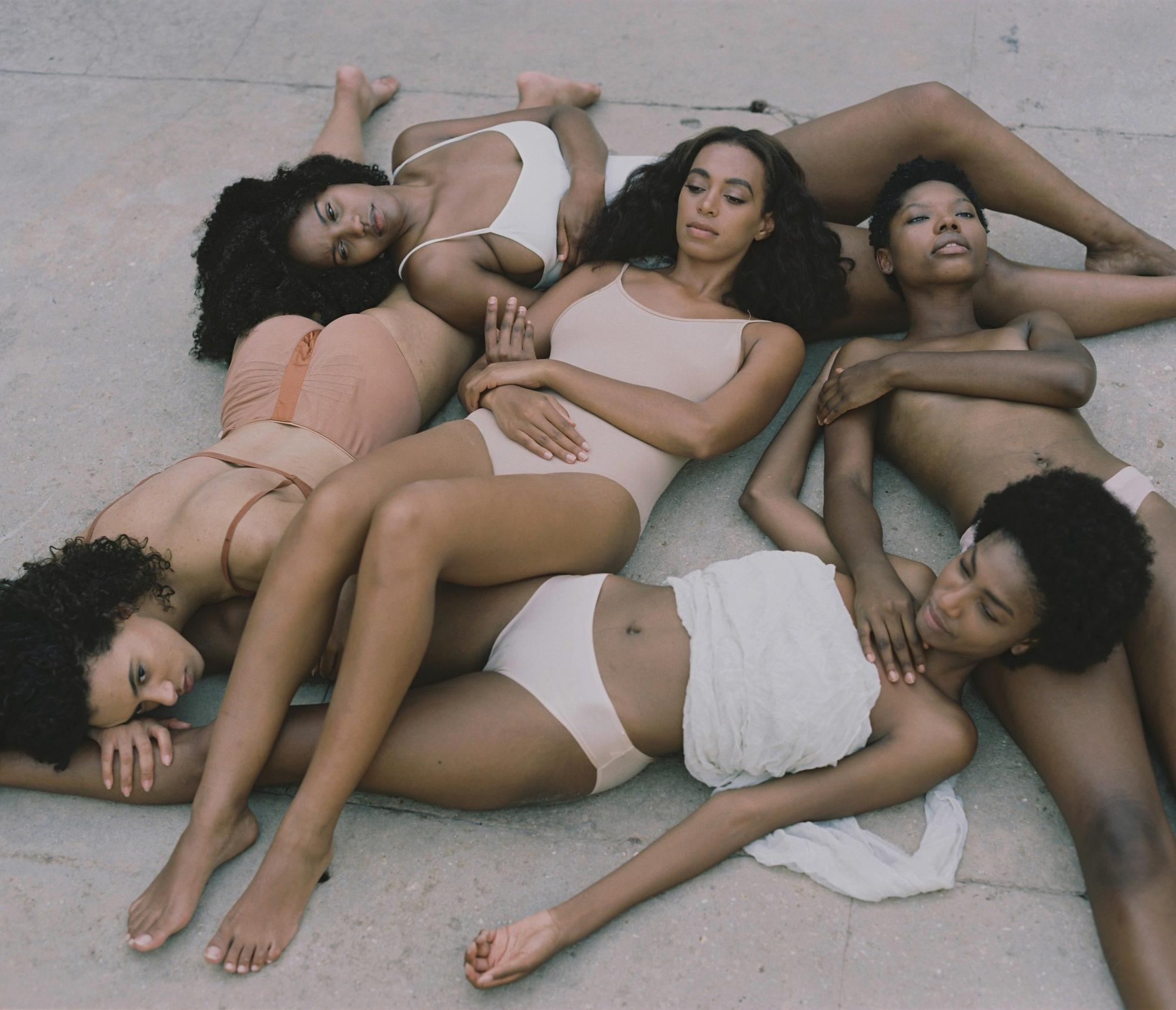 before-solanges-new-album-cover-carlota-guerrero-was-shooting-sensitive-nudes-body-image-1475264215